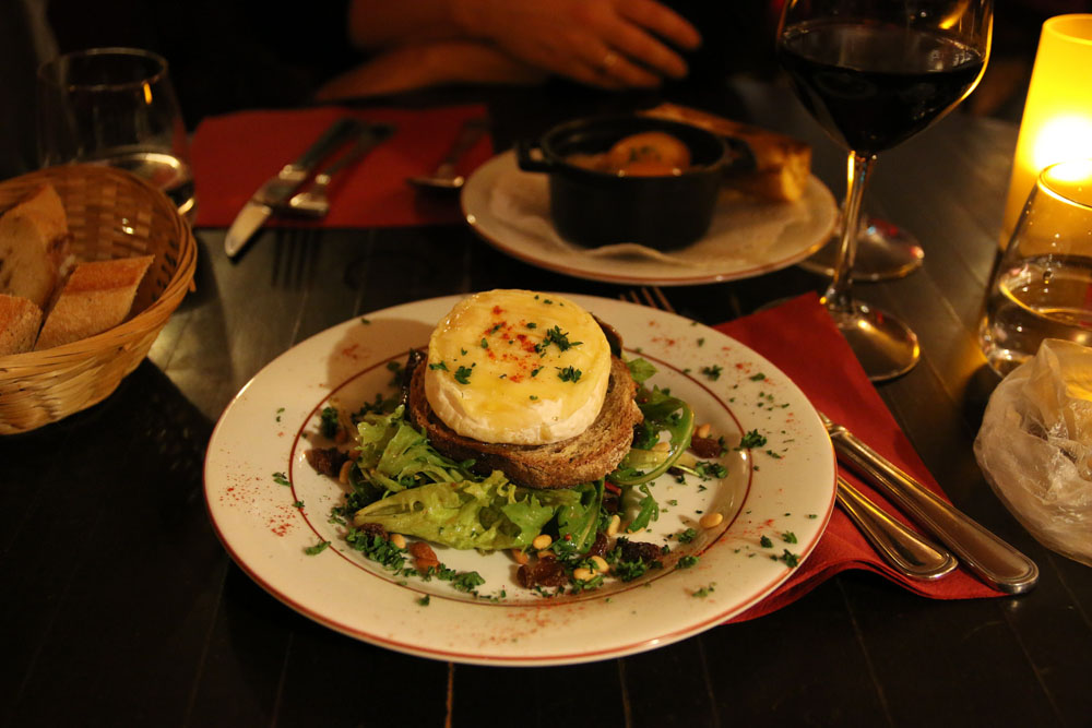 Chez Toinette goat's cheese salad. Photo: Gil Eilam/Flickr