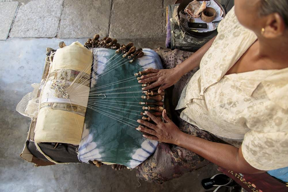 Lacemaking in Galle. Photo: Goran Bogicevic/Shutterstock