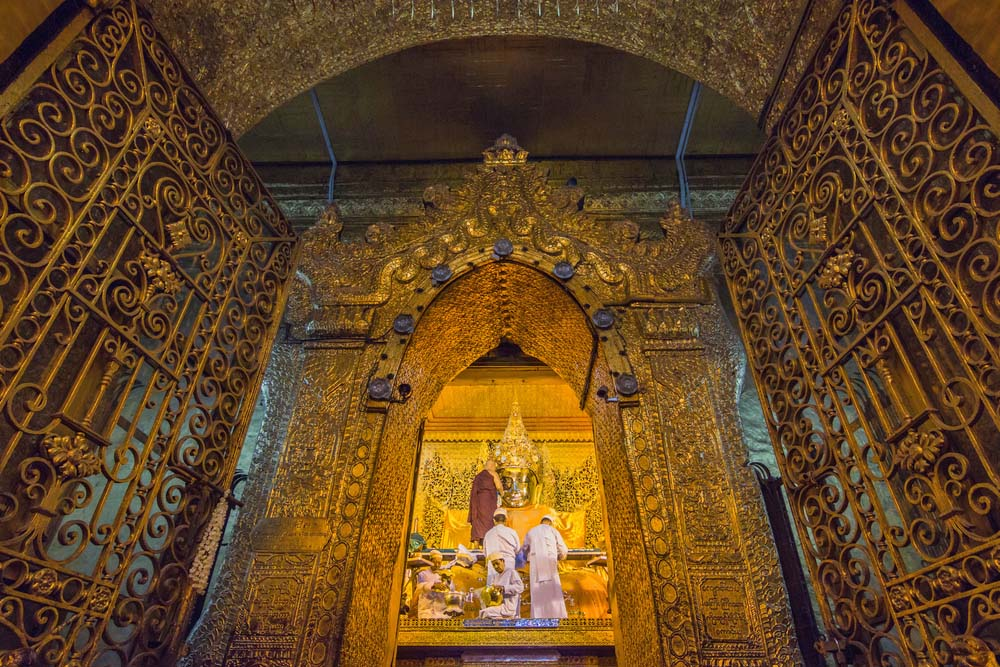 Maha Myat Muni Buddha Image at Mahamuni Temple.