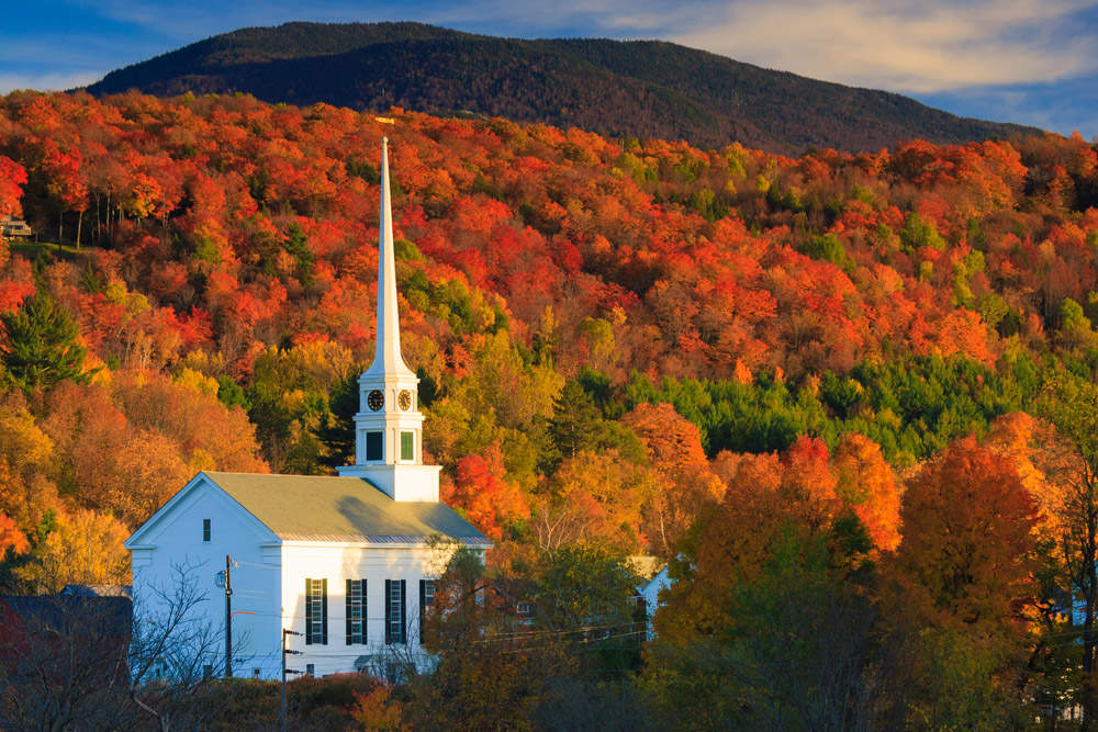 Fall Foliage and the Stowe Community Church, Stowe, Vermont, USA. Photo: Shutterstock