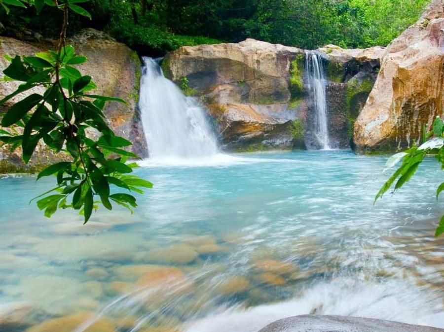 Track down waterfalls in the Rincón de la Vieja National Park, Costa Rica