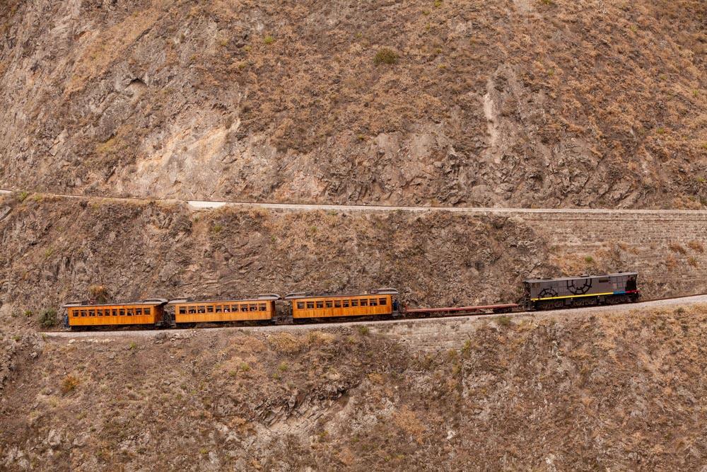Train going up on Nariz del Diablo.