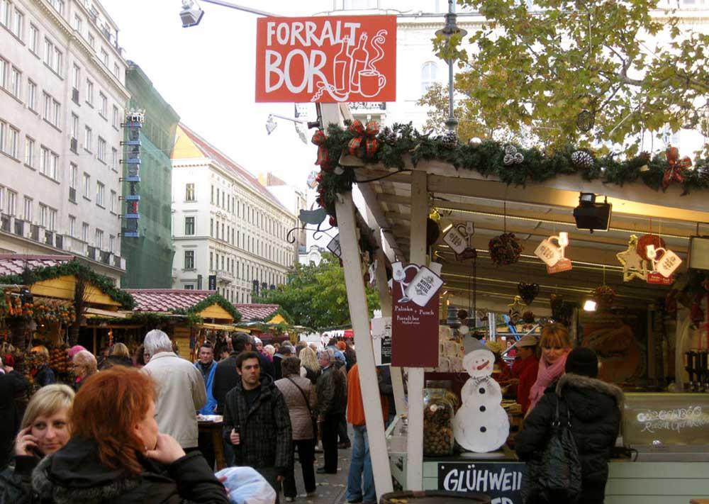 Christmas market on Budapest's Vorosmarty Square