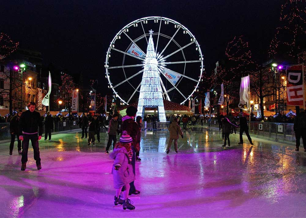 Ice-skating at night in Brussels