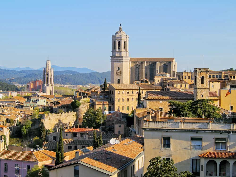 Matching a a city break with a beach holiday is easy in the pretty city of Girona.
