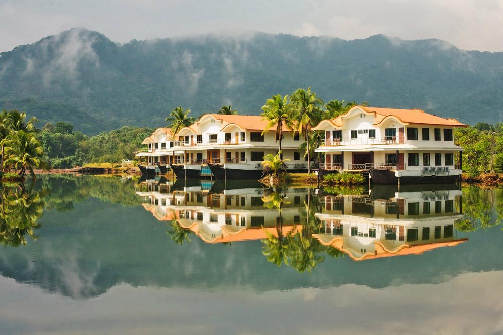 Mountain lake tropical resort in Ko Chang, Thailand. Photo: Shutterstock