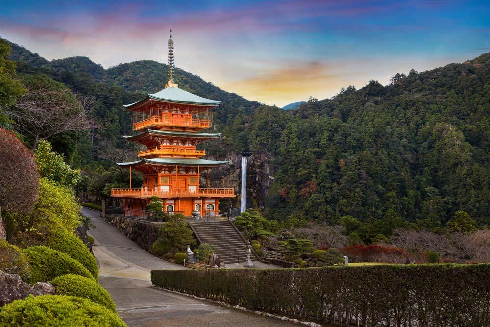 Pagoda of Seiganto-ji Temple at Nachi Katsuura with Nachi no Taki fall in Wakayama, Japan. Photo: Shutterstock