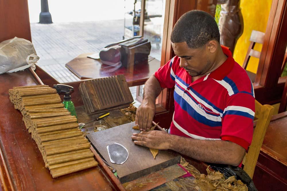 Dominican cigar maker.