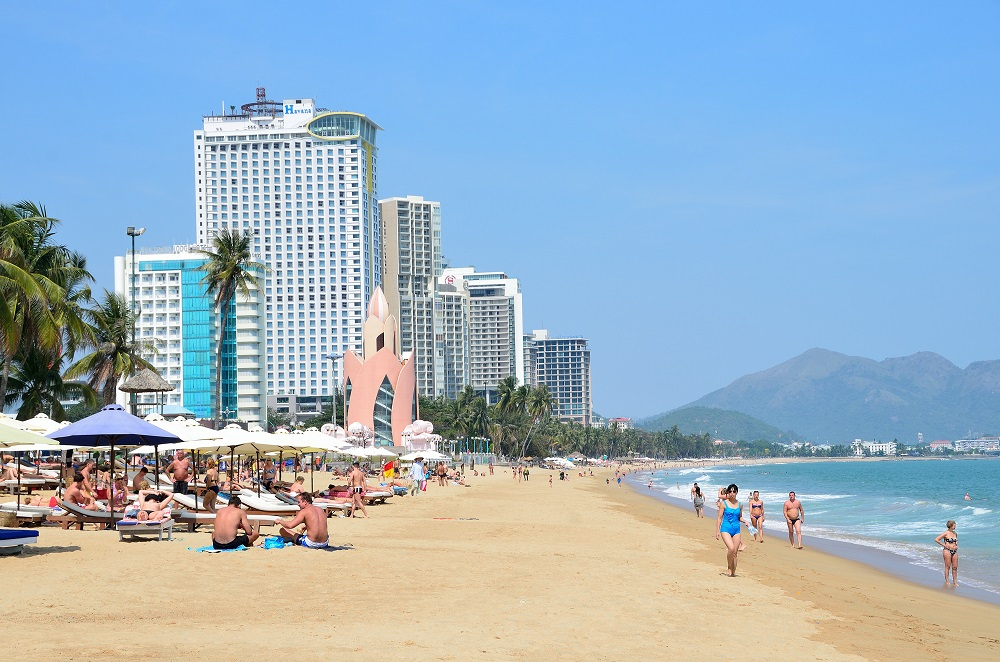 People on the beach in Nha Trang. Photo: Ovchinnikova Irina/Shutterstock
