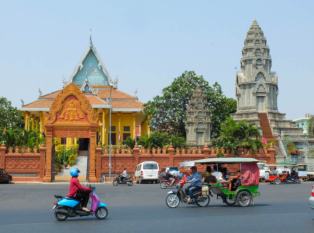 Wat Ounalom in Phnom Penh, headquarter of Cambodian Buddhism. Photo: Shutterstock