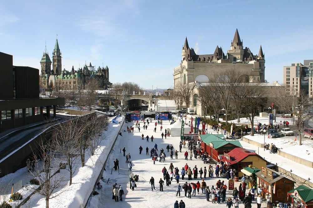 Rideau Canal Skateway (Ottawa). Photo: Clive Watkins/Shutterstock
