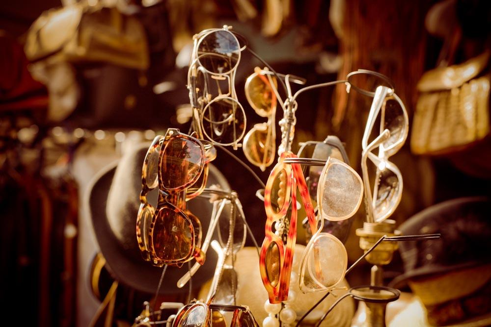 Puces de St-Ouen, Paris's biggest flea market. Photo: Dukas Ju/Flickr