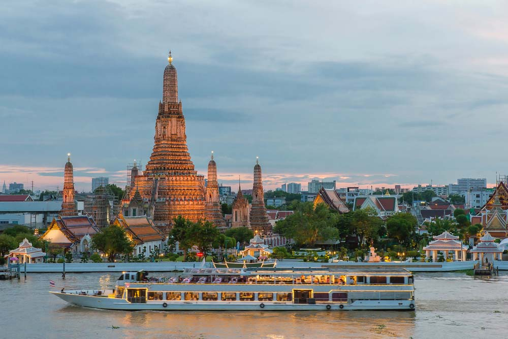 Wat Arun and cruise ship in Bangkok