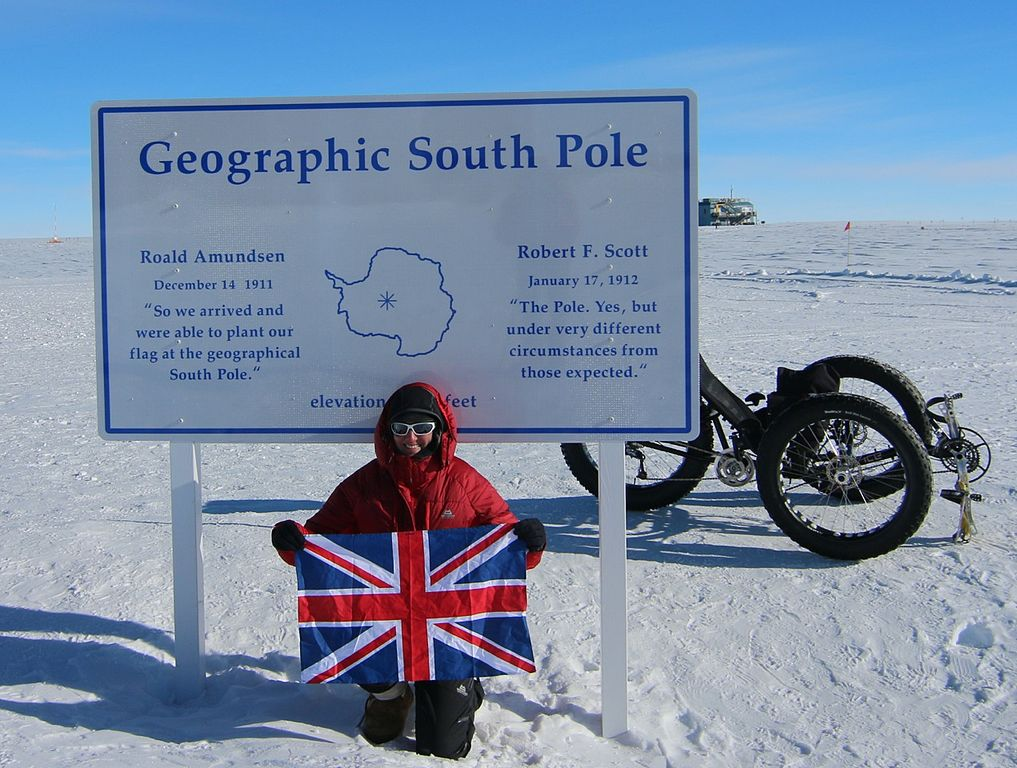 Geographic South Pole. Photo: Maria leijerstam/Wikimedia Commons