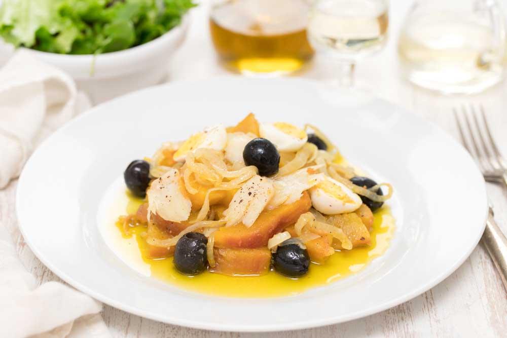Bacalhau à Gomes de sá. Photo: Shutterstock