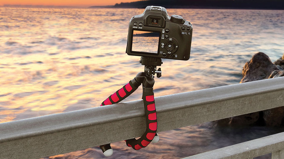 The MaxiGrip Flexible Tripod by Magnus. Photo: Press release