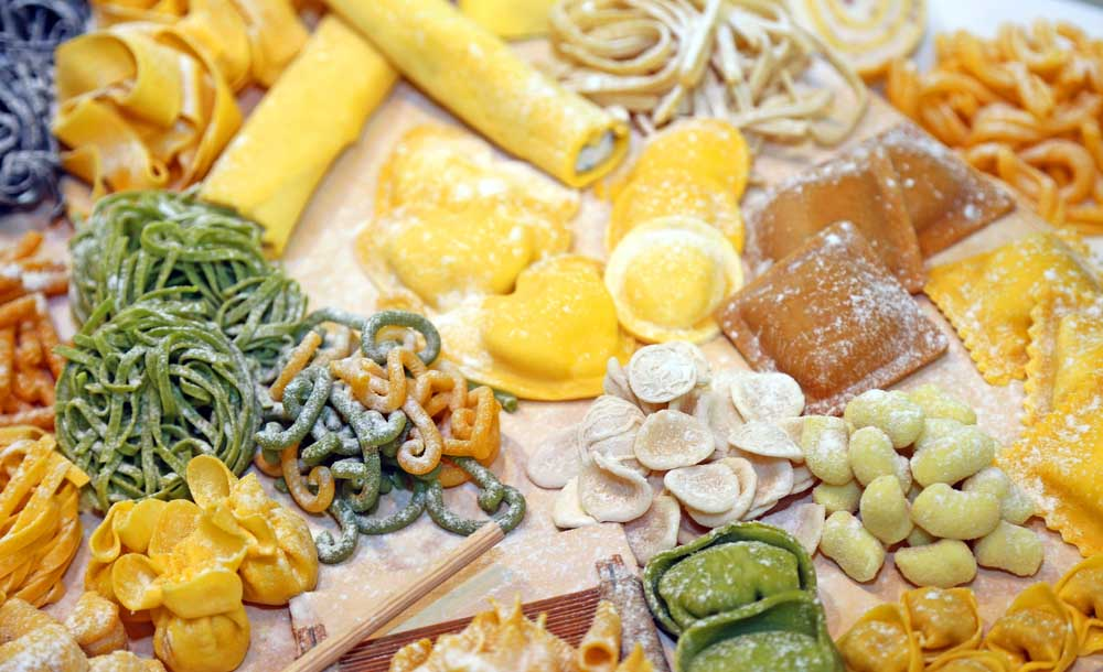 Various types of freshly made pasta