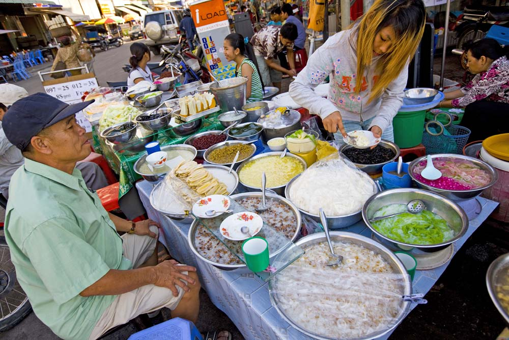 Street vendor in Phnom Penh. Photo: Peter Stuckings/APA