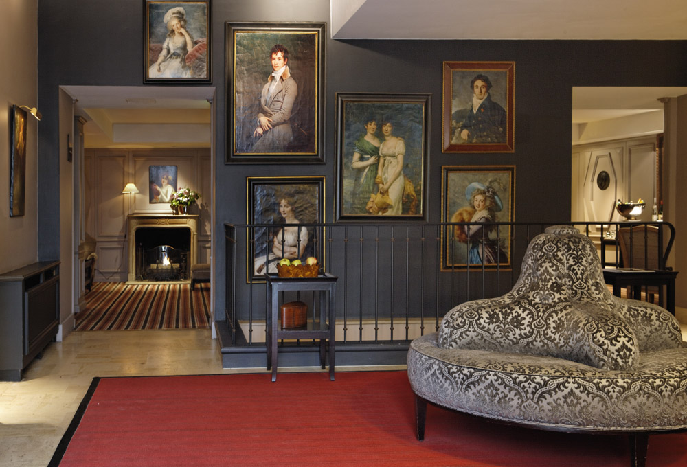 Boudoir chic at the Relais Christine. Photo: Press release