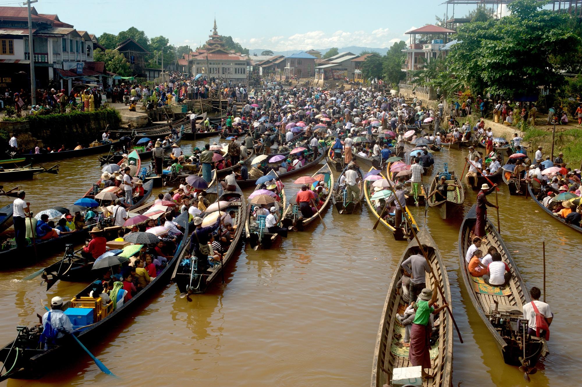 Traffic jam in Phaung Daw Oo Pagoda festival,Myanmar. Photo: Manit Larpluechai/123RF