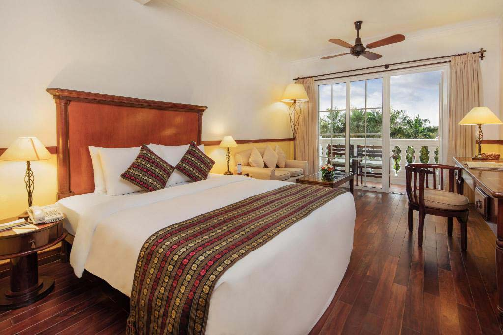 Deluxe bedroom at Victoria Can Tho Resort.