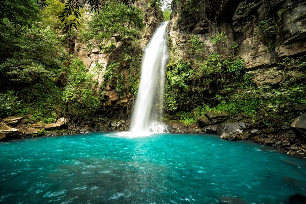 La Cangreja waterfall in Rincón de La Vieja National Park. Photo: Shutterstock