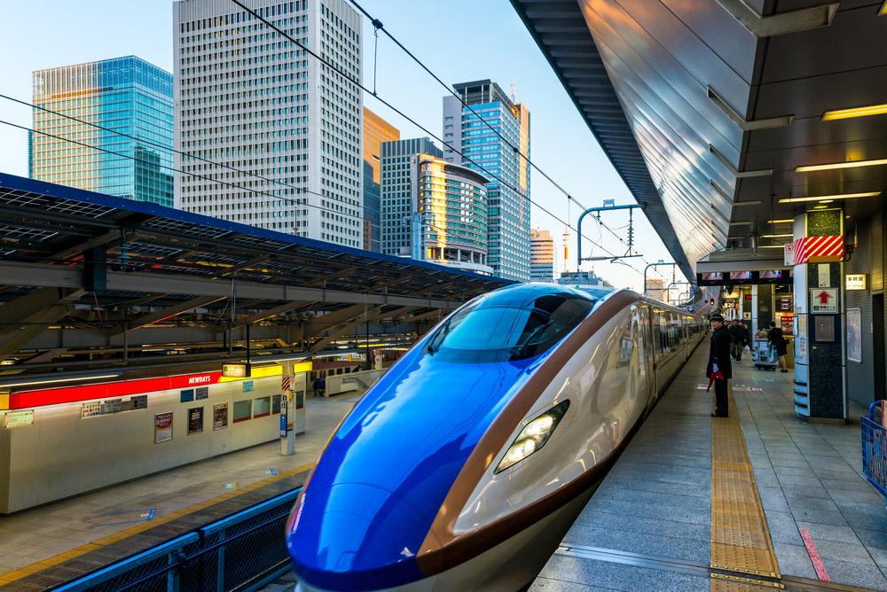 A Shinkansen train pulls into Tokyo Station. Photo: Shutterstock