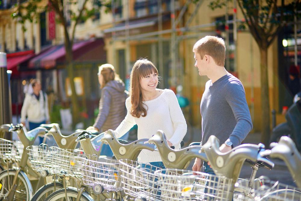 Biking in Paris. Photo: Shutterstock