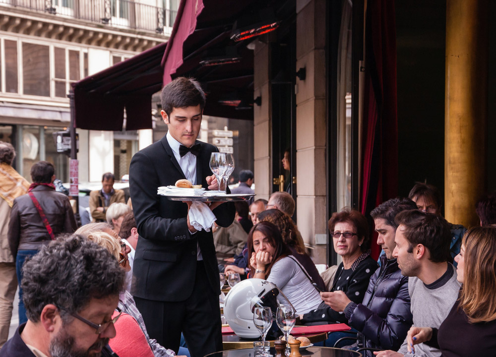 Traditional outdoor Parisian cafe. Photo: Shutterstock