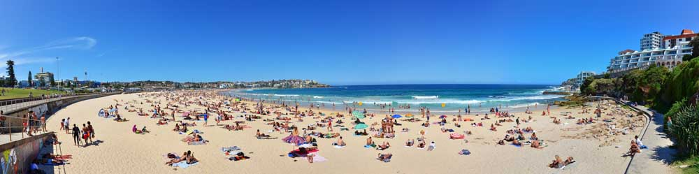 A view of Bondi Beach in summer in Sydney