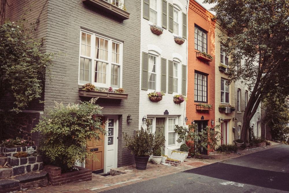 Townhouses in Georgetown, Washington D.C. Photo: Cameron Whitman/Shutterstock