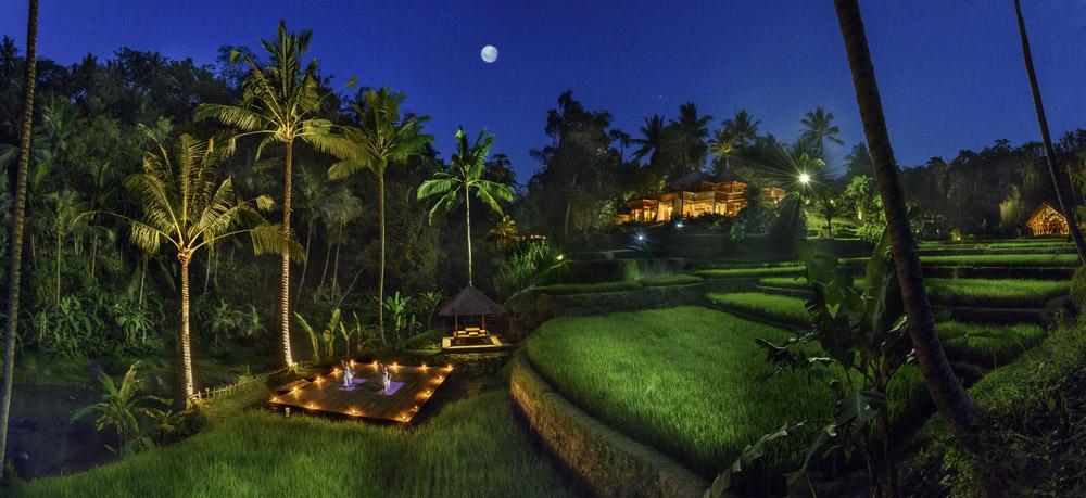 Four Seasons Bali at Sayan. Yoga at Moonlight. Photo: Press release