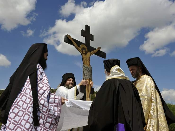 ShutterstockcompdestinationMainjpeg - Greek religion