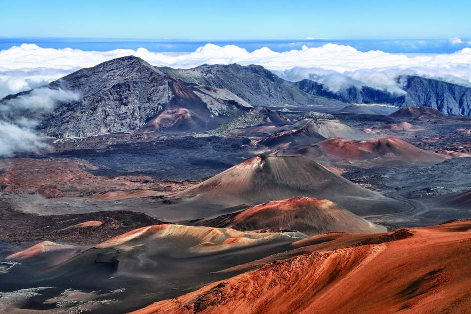Caldera of the Haleakala volcano (Maui, Hawaii) - HDR image