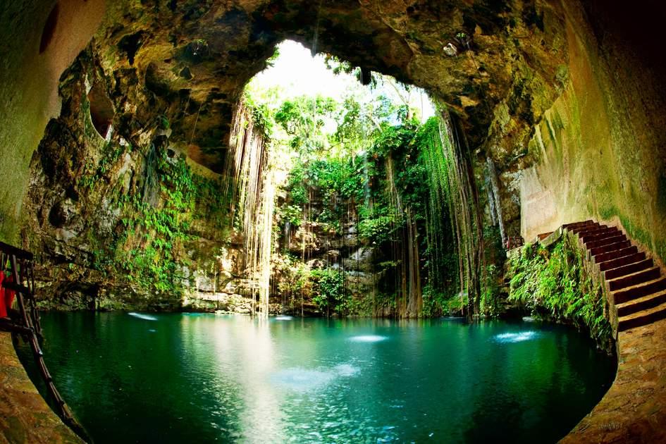 Ik Kil Cenote, Chichen Itza, Mexico