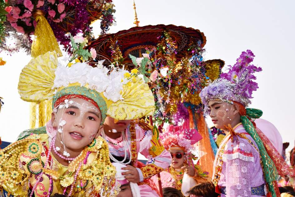 Chiang Mai, Poy Sang Long festival, A Ceremony of boys to become novice monk