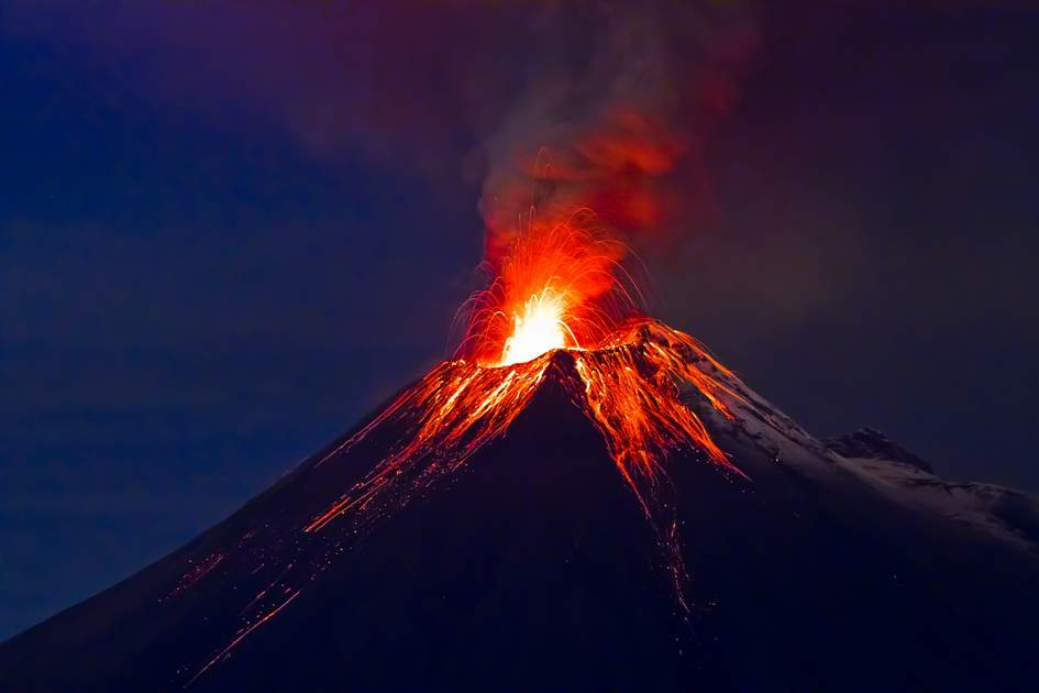 Volcanoes in Ecuador: eruption of Tungurahua volcano.