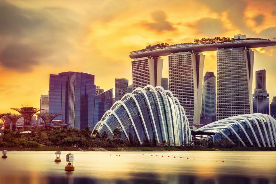 Singapore's distinctive architectural icons at sunset. Photo: lculig/Shutterstock