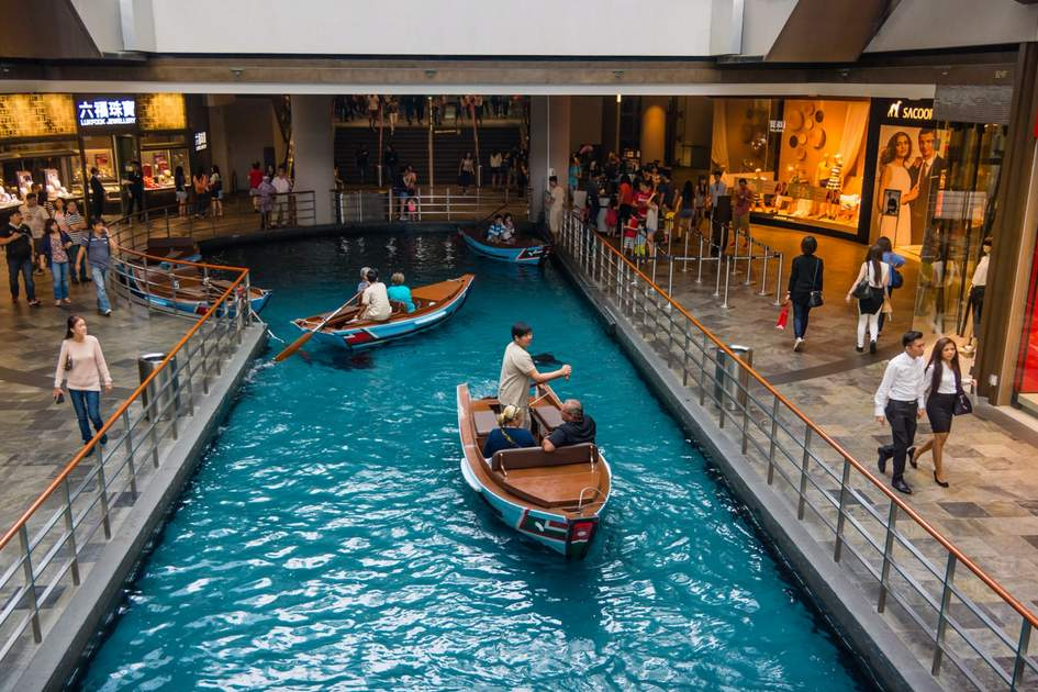 A canal runs through the length of the Shoppes at Marina Bay Sands.
