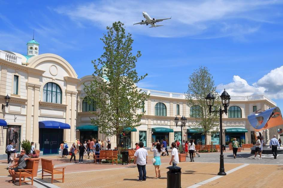 Best airports for shopping: McArthurGlen Designer Outlet near the Vancouver Airport.
