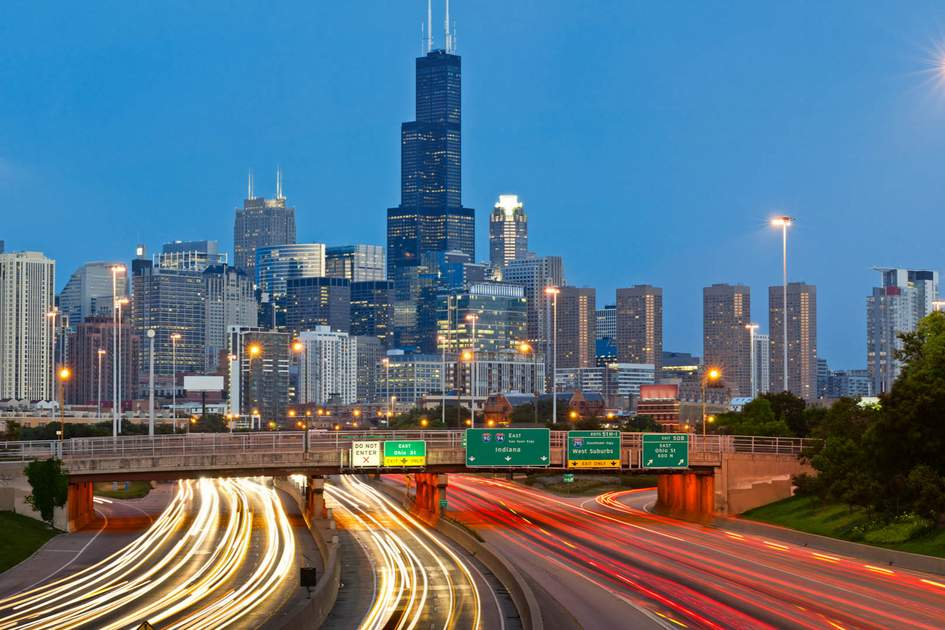 866768d689b5 Chicago traffic. Photo  Shutterstock