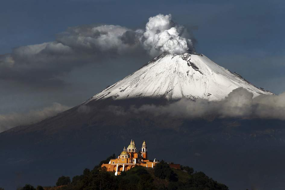 Popocatépetl volcano located in Puebla, Mexico