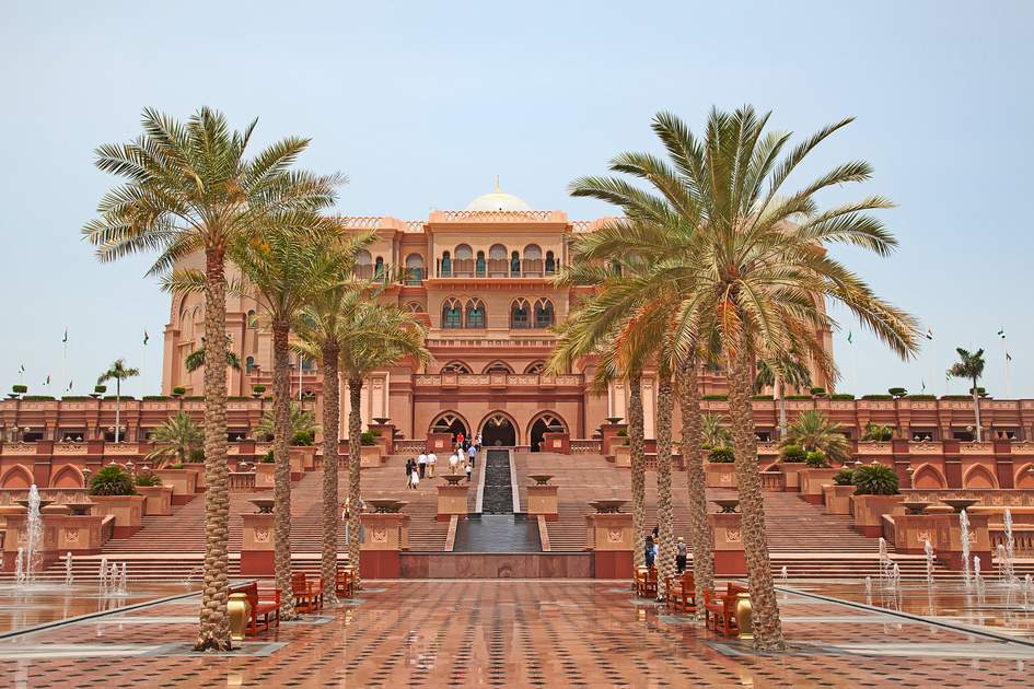 Things to do in Abu Dhabi: The Emirates Palace Hotel