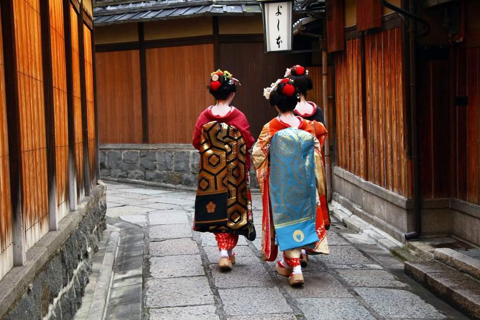 Three geishas in Gion, Kyoto, Japan