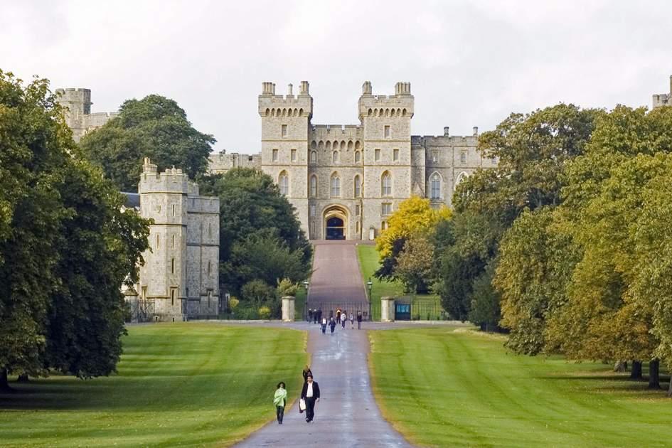 Approaching Windsor Castle.
