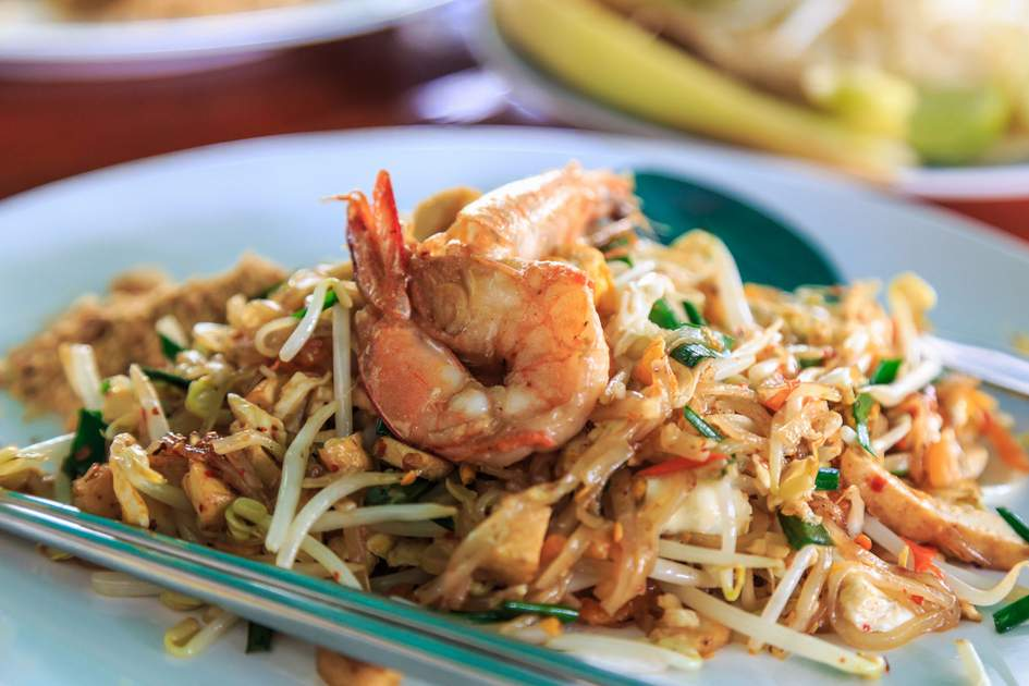 Shrimps Pad Thai, Thailand's national dishes. Photo: Shutterstock