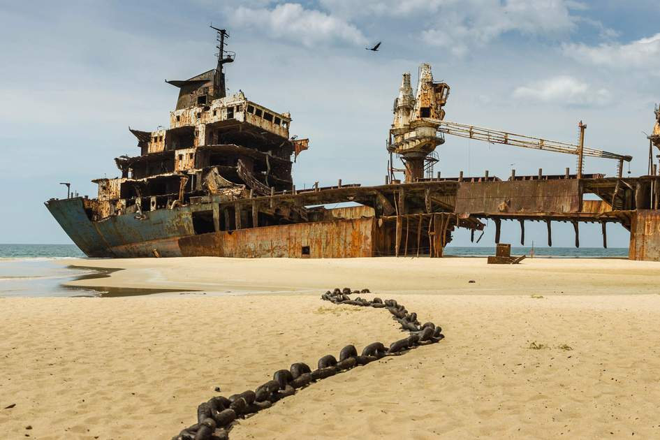 Farah III shipwreck in Sri Lanka