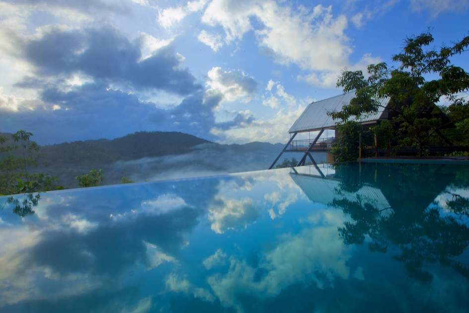 Another breathtaking view from the hotel's infinity pool