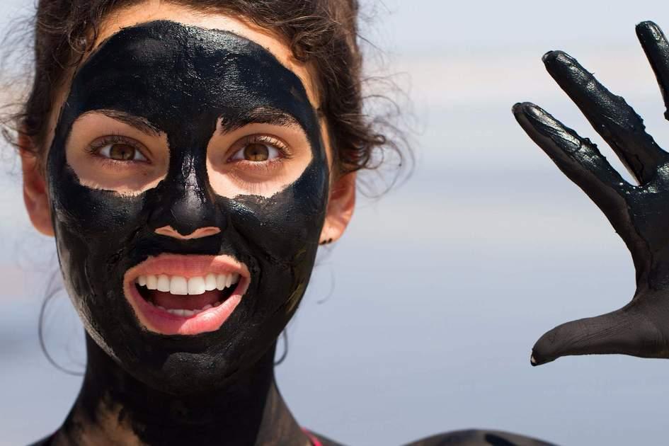 Dead Sea healing mud facial. Photo: Shutterstock
