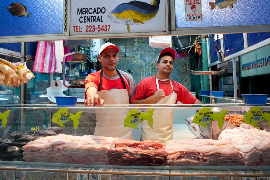 Fish stall at Mercado Central in San Jose. Photo: Corrie Wingate/APA